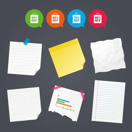 Zakelijke papieren banners met notities. Verkoop bag tag pictogrammen. Speciale kortingsymbolen met korting. 50%, 60%, 70% en 80% procent afwijkende tekens. Kleverige kleurrijke tape. Tekstballonnen met pictogrammen. Vector