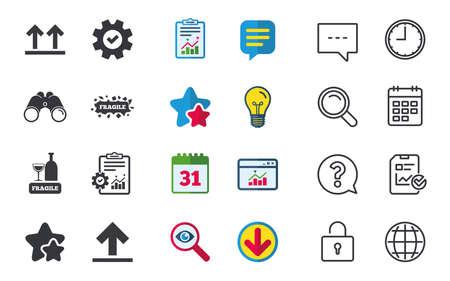 깨지기 쉬운 아이콘. 섬세한 포장 배달 표시. 이면을 위로 화살표 기호. 채팅, 신고 및 캘린더 표지판. 별, 통계 및 다운로드 아이콘. 질문, 시계 및 글로 일러스트