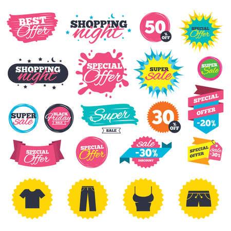 Verkoop winkel banners. Kleren pictogrammen. T-shirt en broek met korte broekborden. Zwembroek symbool. Webbadges, plons en stickers. Beste aanbod. Vector