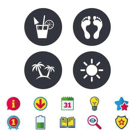 Iconos de vacaciones de playa. Signos de cócteles, huellas humanas y palmeras. Símbolo de sol de verano. Calendario, información y signos de descarga. Iconos de estrellas, premios y libros. Bombilla, escudo y búsqueda. Vector Foto de archivo - 84142586