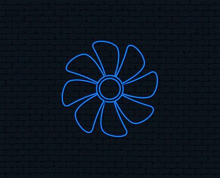 Luz de neón del icono de signo de ventilación. Símbolo del ventilador Brillante diseño gráfico. Pared de ladrillo. Vector