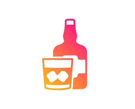 Whiskey glass with ice cubes icon. alcohol sign. Classic flat style. Gradient whiskey glass icon. Vector Ilustração