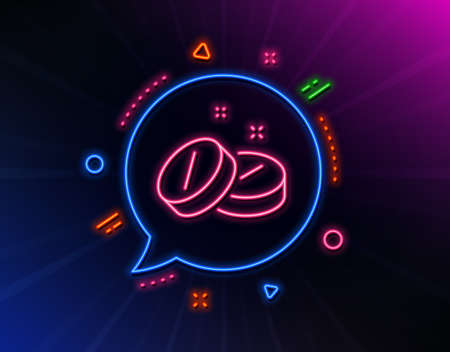 Medical tablet line icon. Neon laser lights. Medicine drugs sign. Pharmacy medication symbol. Glow laser speech bubble. Neon lights chat bubble. Banner badge with medical tablet icon. Vector Banco de Imagens - 132246275