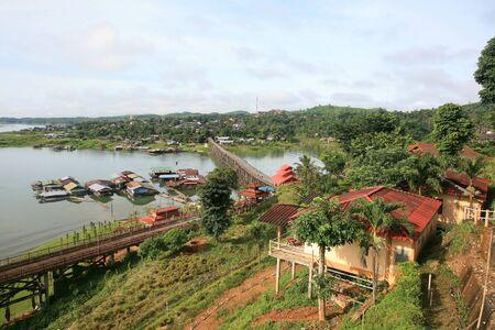 bird s eye view: Bird s eye view of Sangklaburi cityscape in Kanchanaburi province, Thailand