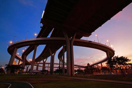 bhumibol: Bhumibol Bridge at dusk in Bangkok, Thailand