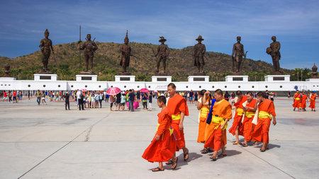 "king ramkhamhaeng: HUA HIN,THAILAND - JANUARY 17,2016 : Unidentified Thai monks visit Ratchapak  ""Kings Memorial Royal Park"". 7 famous Thai kings statues were constructed by the Royal Thai Army at Hua Hin. Editorial"