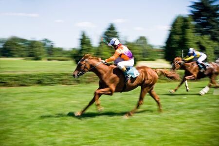cavallo in corsa: Corse di cavalli, movimento offuscata