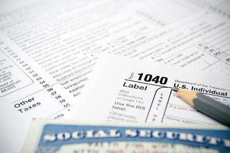 Social Security Card auf US-Steuerformulare 1040 Standard-Bild - 11019560
