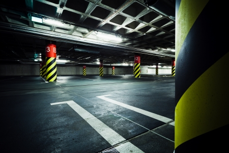 Parkeergarage onder de grond interieur