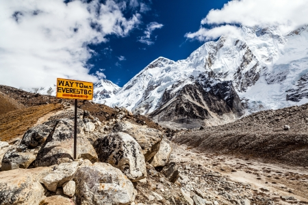 national scenic trail: Footpath to Mount Everest Base Camp signpost in Himalayas, Nepal. Khumbu glacier and valley snow on mountain peaks, beautiful view landscape