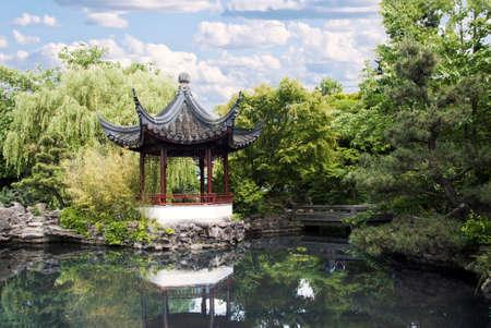 pagoda: Pagoda del cl�sico Jard�n chino en Chinatown de Vancouver a. C.