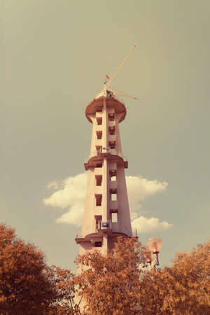 Parachute tower
