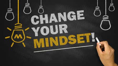 changer votre mentalité sur fond tableau noir