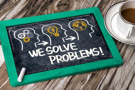 solucion de problemas: resolvemos problemas concepto en la pizarra Foto de archivo