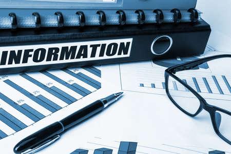data management: information label on document folder
