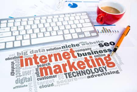 Internet marketing woord wolk op een scène Stockfoto - 52333820