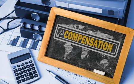 buscar el concepto de compensación en la pizarra