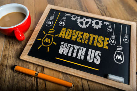 Advertise With Us Standard-Bild