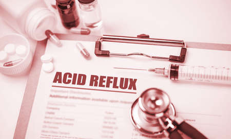 ácido: el diagnóstico de reflujo ácido; concepto médico Foto de archivo