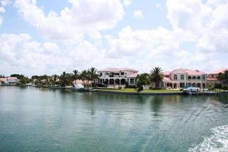 Immobilier résidentiel riverain de la propriété en Floride Banque d'images - 4369934