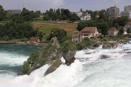 Rheinfall is the biggest waterfall in Europe. Banque d'images - 103787080