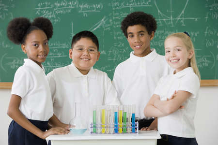 Multi-ethnic children in science class LANG_EVOIMAGES