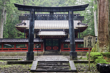 Gate to a Traditional Japanese Building LANG_EVOIMAGES