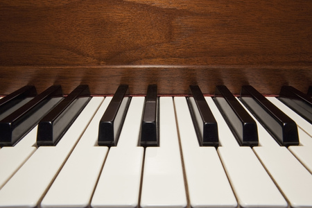 Close up of piano keys LANG_EVOIMAGES