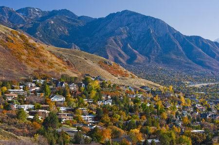 Hillside Suburban Homes LANG_EVOIMAGES