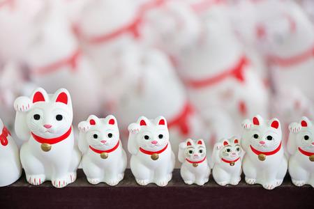 fortunate: Lucky cat. Fortunate cat. Japanese ornament