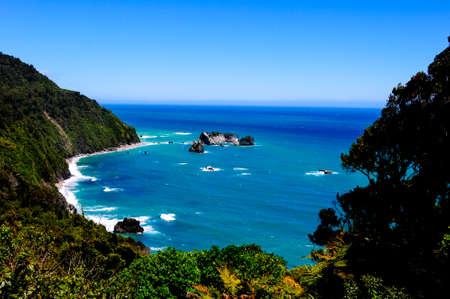 Te Wahipounamu look-out at the Tasman Sea