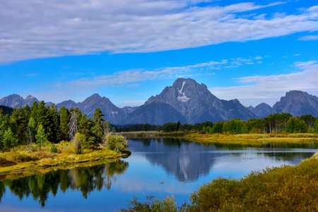 View of Oxbow Bend with the Grand Tetons in the background. Imagens