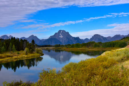 Oxbow Bend in fall, with the Grand Tetons in the the background. Imagens