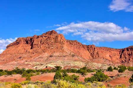 Red rocks and blue sky at Capitol Reef National Park. Imagens