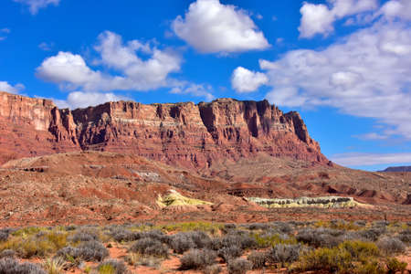 View of the colorful Vermilion Cliffs, in Arizona. Imagens