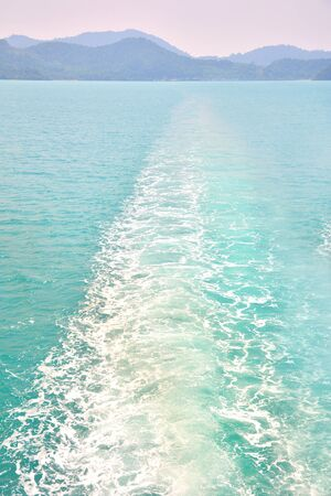 liner: Water wake of cruise liner