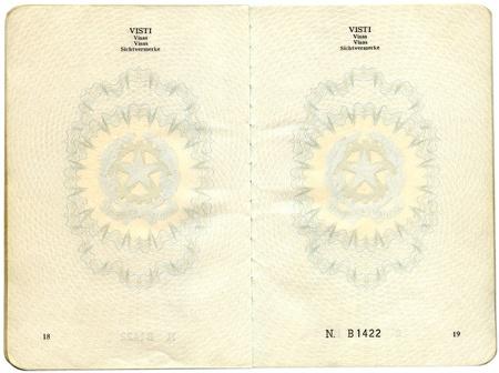Alten italienischen Pass. Seiten für Visa Mark Standard-Bild - 9279532