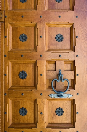 door knob: Old wooden door