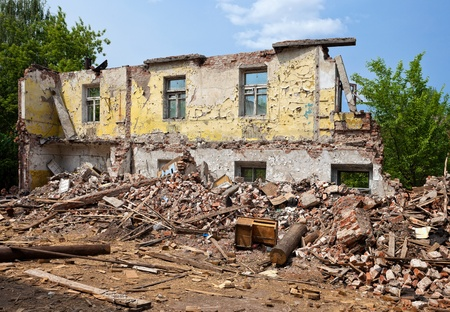 demolished house: Ruined Building