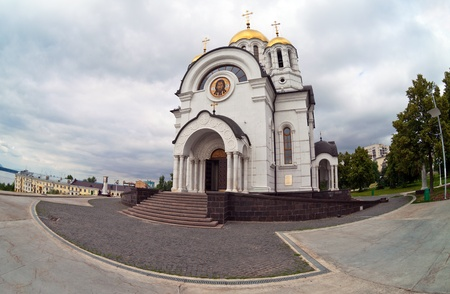 martyr: Temple of the Martyr St. George in the city of Samara, Russia.  Fisheye.