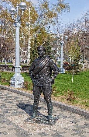 comrade: SAMARA, RUSSIA - MAY 1: Monument to Comrade Sukhov, the main character of the movie The White Sun of the Desert on May 1, 2013 in Samara, Russia. The monument was unveiled on December 7, 2012