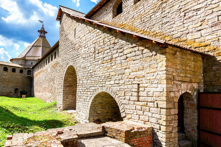 Shlisselburg, Russia - August 8, 2018: Historical Oreshek fortress is an ancient Russian fortress. Shlisselburg Fortress near the St. Petersburg, Russia Banque d'images - 122540082