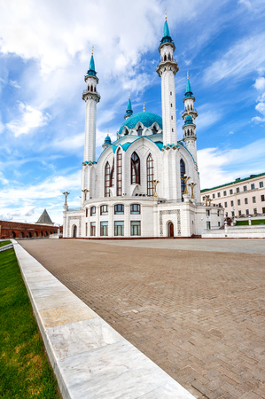 Famous Kul Sharif mosque in Kazan Kremlin against the blue sky 版權商用圖片