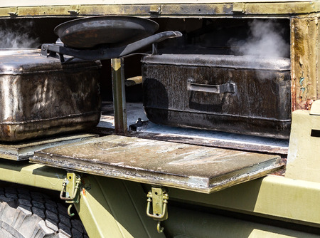 Mobile metal military kitchen stove to feed soldiers 版權商用圖片