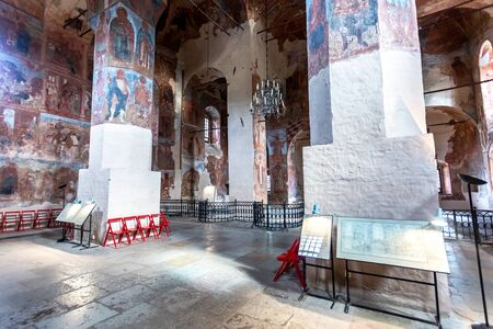 Veliky Novgorod, Russia - August 23, 2019: Ancient Frescoes in Znamensky Cathedral. Cathedral of Our Lady of the Sign (1682-1688) 新聞圖片