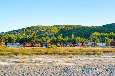 Burdur/Turkey-August 13 2018- Bungalows near Lake Salda Stockfoto