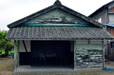 일본의 비밀의 정원과 오래된 집. 스톡 콘텐츠