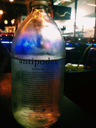 aqua: Sparkling aqua