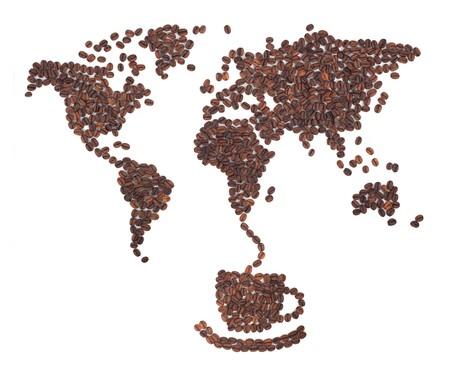 granos de cafe: Mapa de caf� hecha de frijoles sobre fondo blanco  Foto de archivo