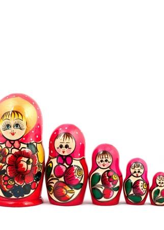 mu�ecas rusas: Mu�ecas rusas. Aislado en un fondo blanco Foto de archivo